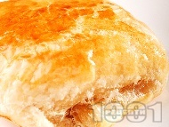 Гъбени банички от буте тесто с топено сирене за закуска